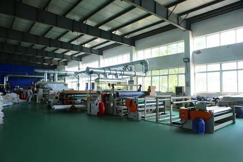 优质的防水卷材机械设备才能生产合格的防水卷材_副本