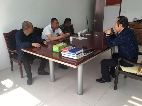 蓬莱客户来鲁蒙防水公司考察河道工程用土工膜